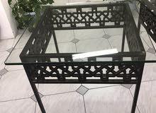 Castiron side Table طاولة جانبية من الحديد الصلب