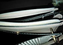 حقيبة - فريدة بتصميمها الهادئ