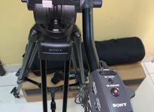 حامل ثلاثي لكاميرات الفيديو الاحترافيه