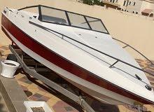 قارب امريكي ويل كرافت للبيع بدون محرك ملبس فرش جديد كامل