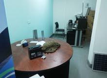 مكتب  طابق 2 مساحة 22 متر