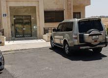 تملك شقة ارضيه في عبدون خلف السفاره السوريه واسعه جدا 250م العمر 5سنوا