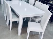 طاولة طعام مع 8 كراسي جلد صناعة ماليزي
