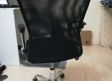 كرسي مكتب دولار شبه جديد