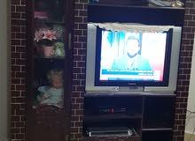 وحدة حائط مع تلفزيون ورسفر للبيع