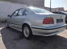 BMW523i