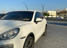 Porsche  Cayenne S 2011 140,000  V8