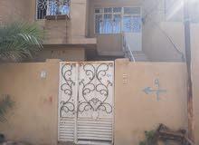 دار يقع في كربلاء بالقرب من مجسر الحسين يبعد عن الشارع 200م زراعي