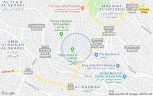محل تجاري للبيع داخل منطقه حيويه في الشميساني