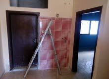 شقة طابقية للإيجار قريبة من الخدمات
