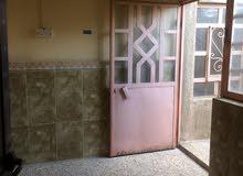 للإيجار شقة طابق ثاني نظيفة جدا باب ودرج منفصلين تقع في حي الخليج العربي الرابعة
