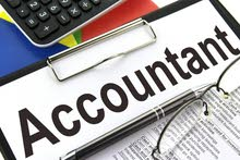 full time accountant محاسب دوام كامل