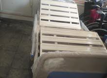 سرير طبي مستورد بالكهرباء بالمرتبة و حامل محلول