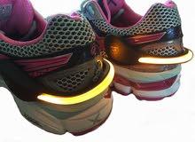 ضوء مع لطاش لحذاء الرياضيين