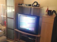 طاولة و تلفزيون ورسيفر من ميداس