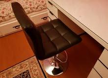مكتب وكرسي وطابعه للبيع