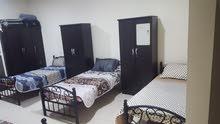 للايجار غرفة مشتركة كبيره مع بلكونة كبيرهعلى السرير 600 درهم شامل انترنت سريع منطقة النخيل