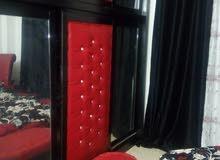 غرفة  نوم للبيع تخت دائري يتكون من تخت دائري وتواليت سحب واخوانه طابقين واسعه