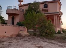 إستراحة دورين مفروشة بالقرب من شاطي وفندق النقازة في موقع ممتاز للايجار