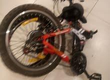 دراجة للبيع مع حامل السيارة