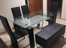 Dining table 6 seaters