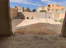 الكيخيا للعقارات بنغازي  عقار تجاري بناء حديث علي الرئيسي  وعلي شارعين