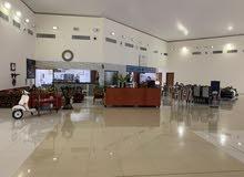 مطعم وكافيه للشراكة او للبيع في دبي