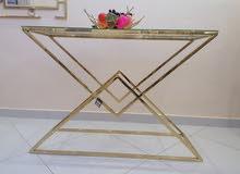 طاولات وكراسي وديكورات ستانلس ستيل