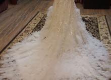 فستان عرس للبيع او الإيجار