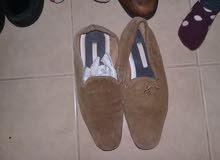 مجموعة أحذية رجالي نمرة 41 عدد 6 للبيع بسعر محروق