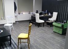 مكتب مجهز بالكامل اجار سنوي وللبيع جميع مستلزماته