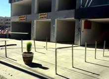 للايجار في مرج الحمام موقع مميز في مجمع حديث محل تجاري  بمساحه اجماليه 130 متر مربع.