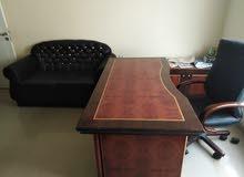 اثاث مكتبي شبه جديد للبيع