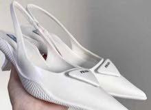 حذاء نسائي ماركة برادا