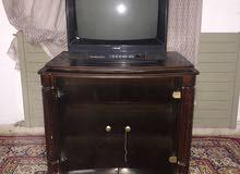 طاولة تلفاز مع تلفاز