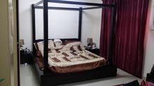 سرير كبير للبيع