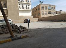 أرض 11 لبنة للبيع على شارع القيادة
