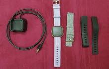 ساعة فيتبيت فيرسا الذكية اصدار خاص اخو الجديد استخدم لايام سبب البيع لست رياضي