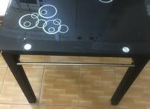 طاولات تصلح لمطعم او مقهى