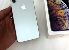 iphone XS MAX 64GB silver only 4 months used