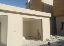 للبيع فلتين درج صاله شغل مدرن في حي النخل العربية شارع 25 غربي    المساحة 625 ال