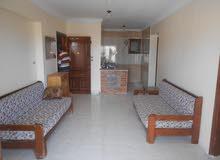 شقة بالفرش واجهة بحري - مسجلة في شاطئ النخيل بالاسكندرية