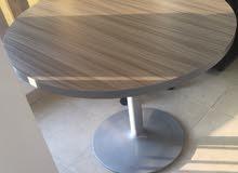 طاولة دائرية خشب ميلامين دبل قاعدة معدنية