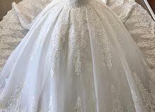 فستان زفاف فخم ديوترموس