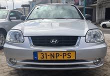 هونداي أكسنت موديل 2004 السيارة مكيفة و عجلات جديدة توب من الاخير