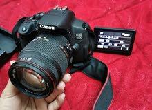 كاميرا كانون EOS D700 احترافية + عدسة 18-200  شبه جديدة للبيع