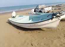 قارب يباني مع مكينه 40 وملكيه القارب 18 قدم