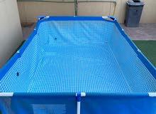 حوض سباحة متوسط