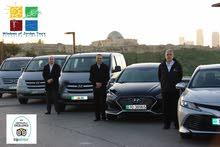 توصيل فان باص صغير جديد من عمان للمطار أو سيارة حديثة