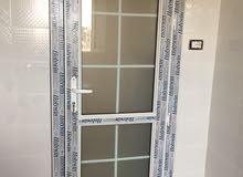 مصنع الجودة لصناعة أبواب ونوافذ البي في سي والألومنيوم والديكورات pvc